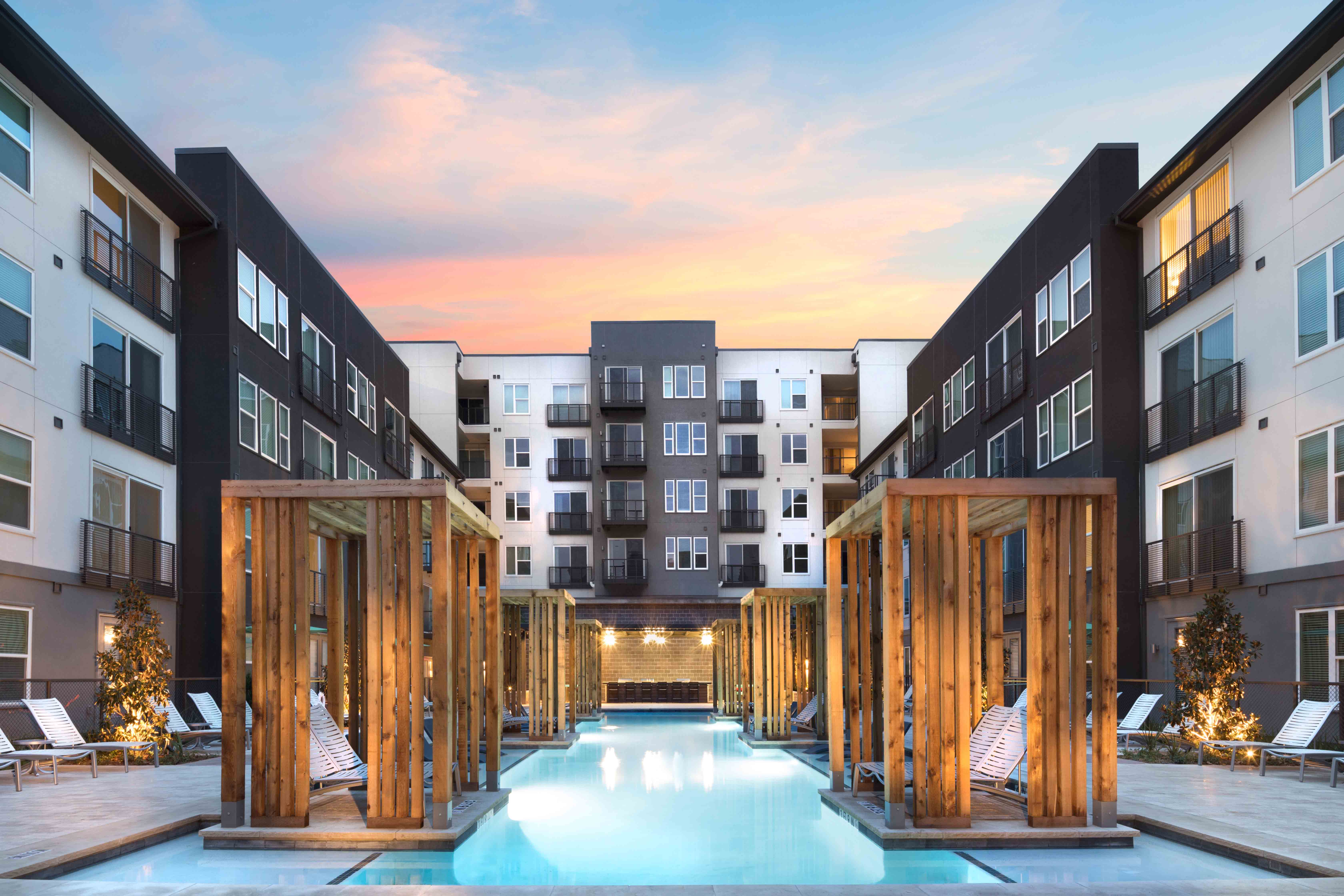 Chic & Stylish Cypress at Trinity Groves Luxury Apartments in Dallas